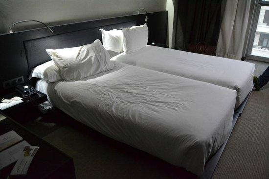 Hotel Silken Gran Teatro: Las confortables camas