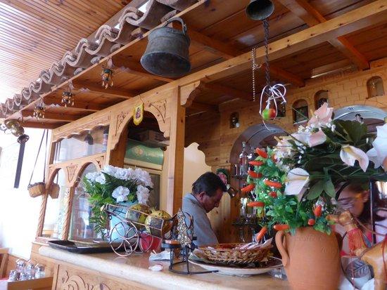 Bar Restaurant Onufri: Interior