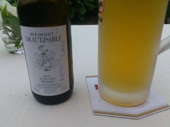 AKZENT Hotel Restaurant Lamm: Thanks for the birthday wine!