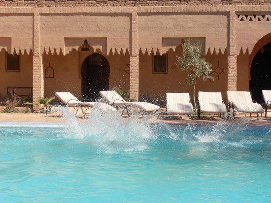 Kasbah Le: piscina