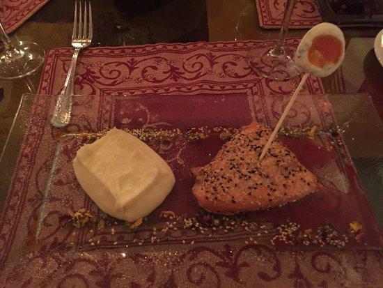 Koukoumavlos Fine Dining Restaurant: Salmon and cauliflower soufflé