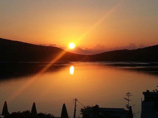 Sunrise at Tasmania Village