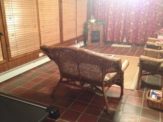 Historic Jacob Hill Inn: Our private sitting area overlooking the grounds