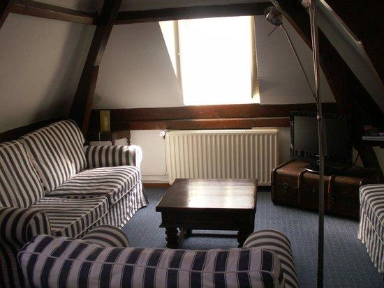 Haarlem Hotelsuites: The living room.