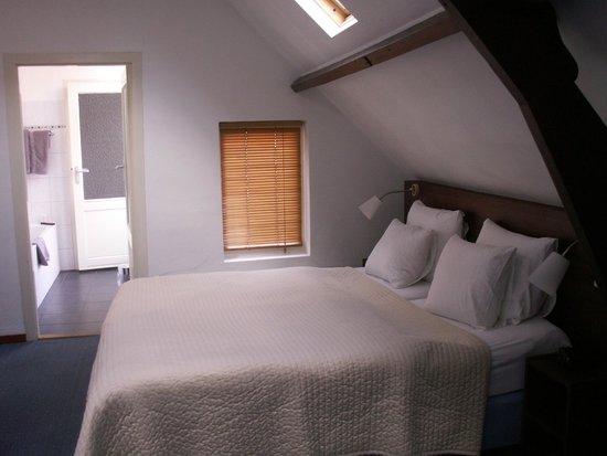 Haarlem Hotelsuites: Bedroom.