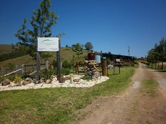 Firefly, Australie : Entrance to Sanctuary Hill