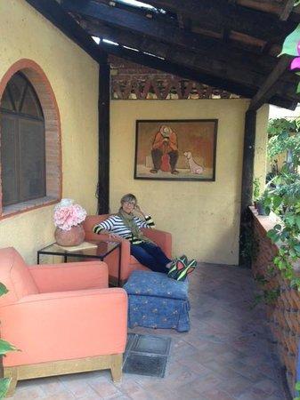 Casa de Suenos Guest House: Patio to enjoy the beauty