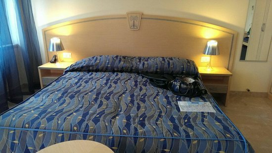 Continental Parkhotel: Bett im superior Doppelzimmer