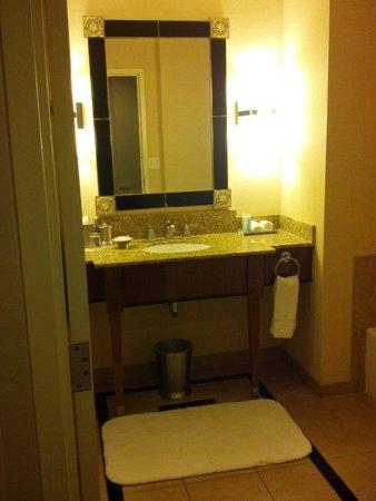 Loews New Orleans Hotel: Bathroom was Stunning