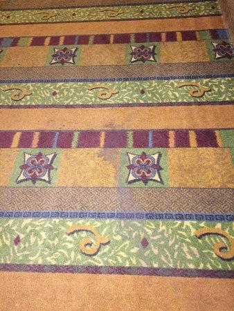 Homewood Suites by Hilton Richmond-West End: Hallway floor stain