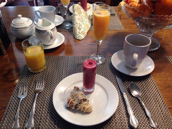 Haydon Street Inn B & B: 1st course of 3 course breakfast.