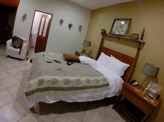 Ka'ana Resort: Our messy room!