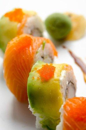 Sushi Tren : RAINBOW ROLL