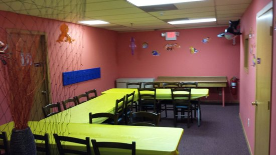 Coral Cove Family Fun Center: They have party rooms