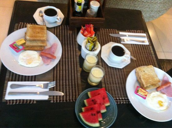 Thapae Boutique House: The set breakfast