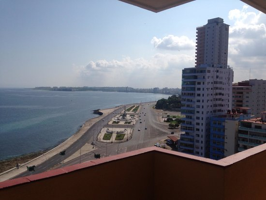 Orlandito's Hotel: This picture is taken from the balcony!
