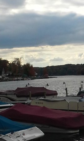 The Village at Pocono: Nick's Lakeside Tavern