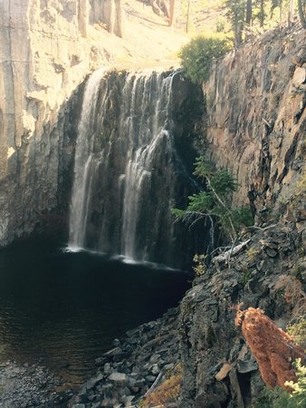 Rainbow Falls : Happiness at the Falls in the Fall!
