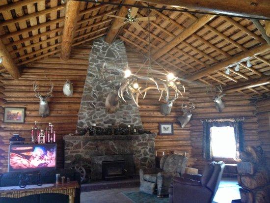 Antlers Lodge Cooke City: Lodge