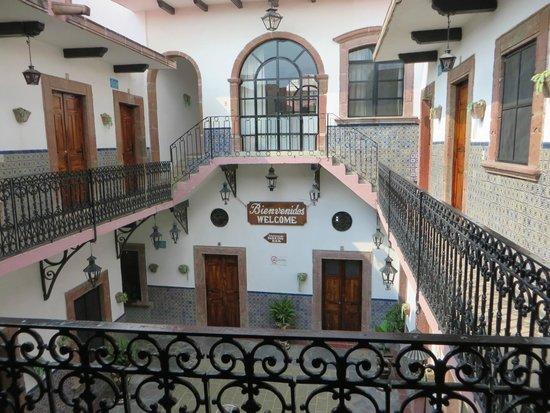 Hotel Posada de las Monjas: Patio de ingreso.