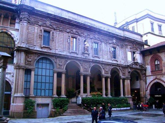 Piazza Mercanti
