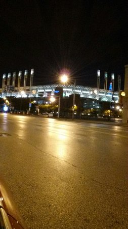 Hilton Garden Inn Cleveland Downtown: Progressive Field photo from front entrance of hotel.