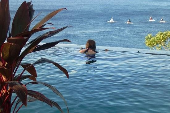 Bedulu Resort: stare out to sea