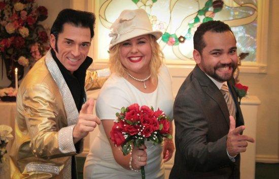 Cupid's Wedding Chapel: Com o Elvis