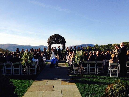 The Garrison - Golf, Restaurant, Events & Inn: Ceremony view