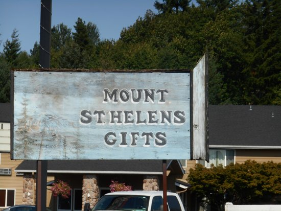 Mount St. Helens Gift Shop: Looks like the original sign for Mt. St. Helen's Gifts.
