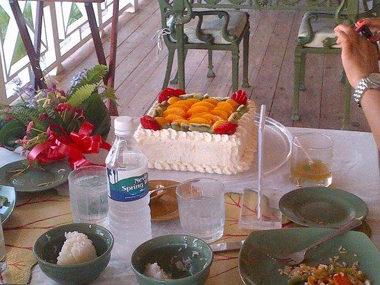 Oasis in the Gardens Restaurant: Cake