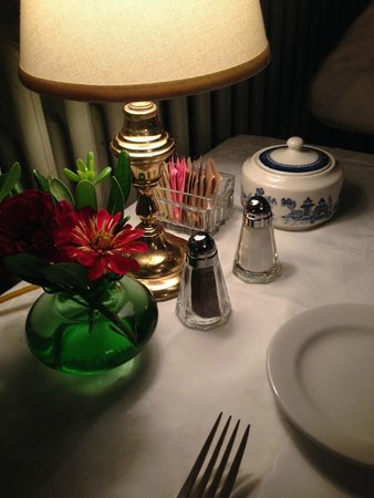 The Red Lion Inn: Evening table setting