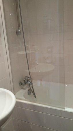 Hotel du Champ de Mars: Bathroom