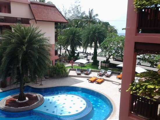 Seaview Patong Hotel: just one of the pools