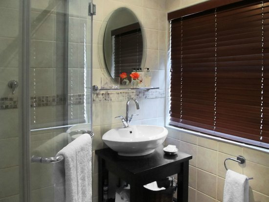 No. 5 on Franschoek: Bathroom Ensuite