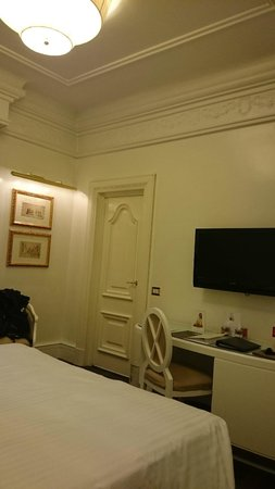 Hotel Majestic Roma: Our room