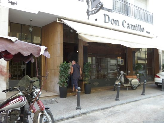 """devant le """"Don Camillo"""""""