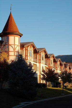 Zermatt Resort & Spa, A Trademark Collection Hotel: Cottages at Zermatt Resort