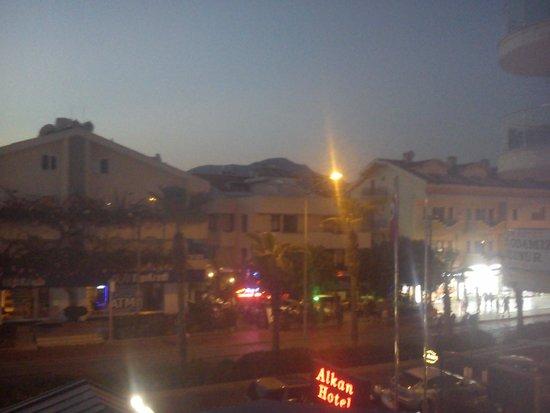 Oasis Hotel: Вид с балкона