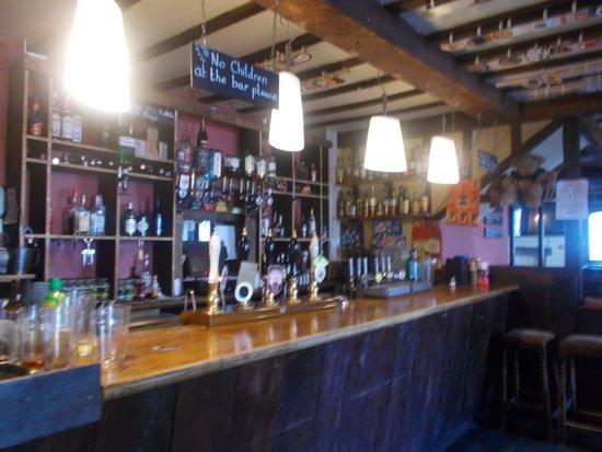 Kilverts Inn: Main bar