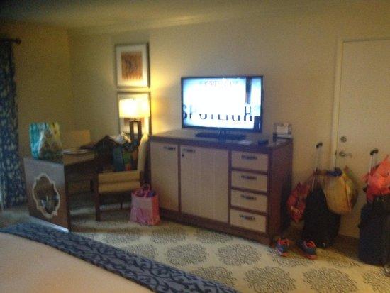 Omni La Costa Resort and Spa: tv