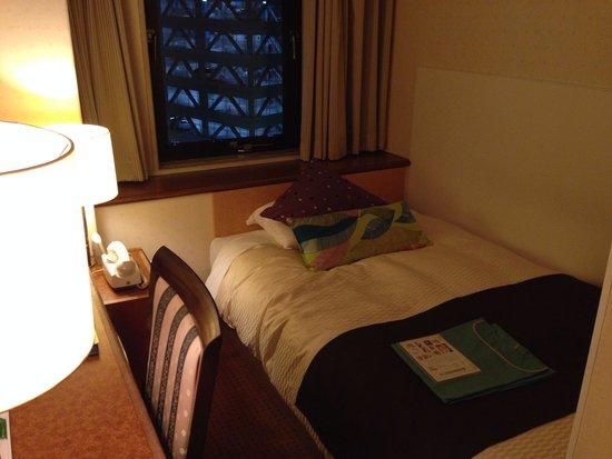 Central Hotel: シングルルーム10平米