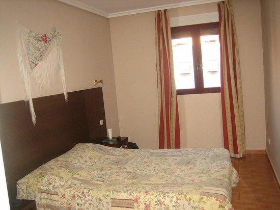 Apartahotel Villa de Parla: Chambre