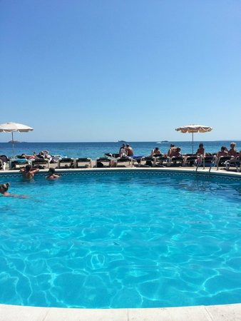 Apartamentos Sal Rossa Ibiza: Hotellpoolen