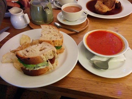 dock o' the bay: Fresh soup & a sandwich