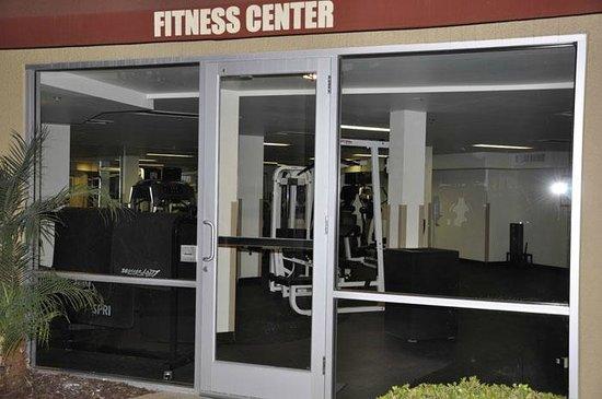 Ventura Beach Marriott: fitness room