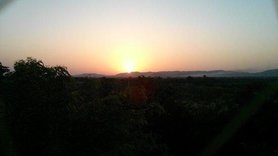 Hotel Chitvan : The sunrise from hotel balcony