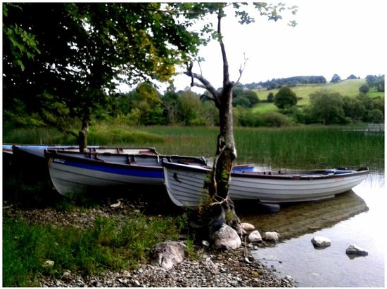 Cromleach Lodge Country House Hotel: Walk to the nearby lough