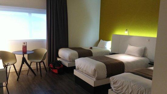 Qualys Hotel & Spa Vannes : Chambre agréable et confortable