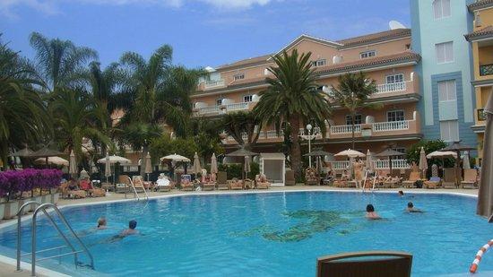 Hotel Riu Garoe: Poolbereich